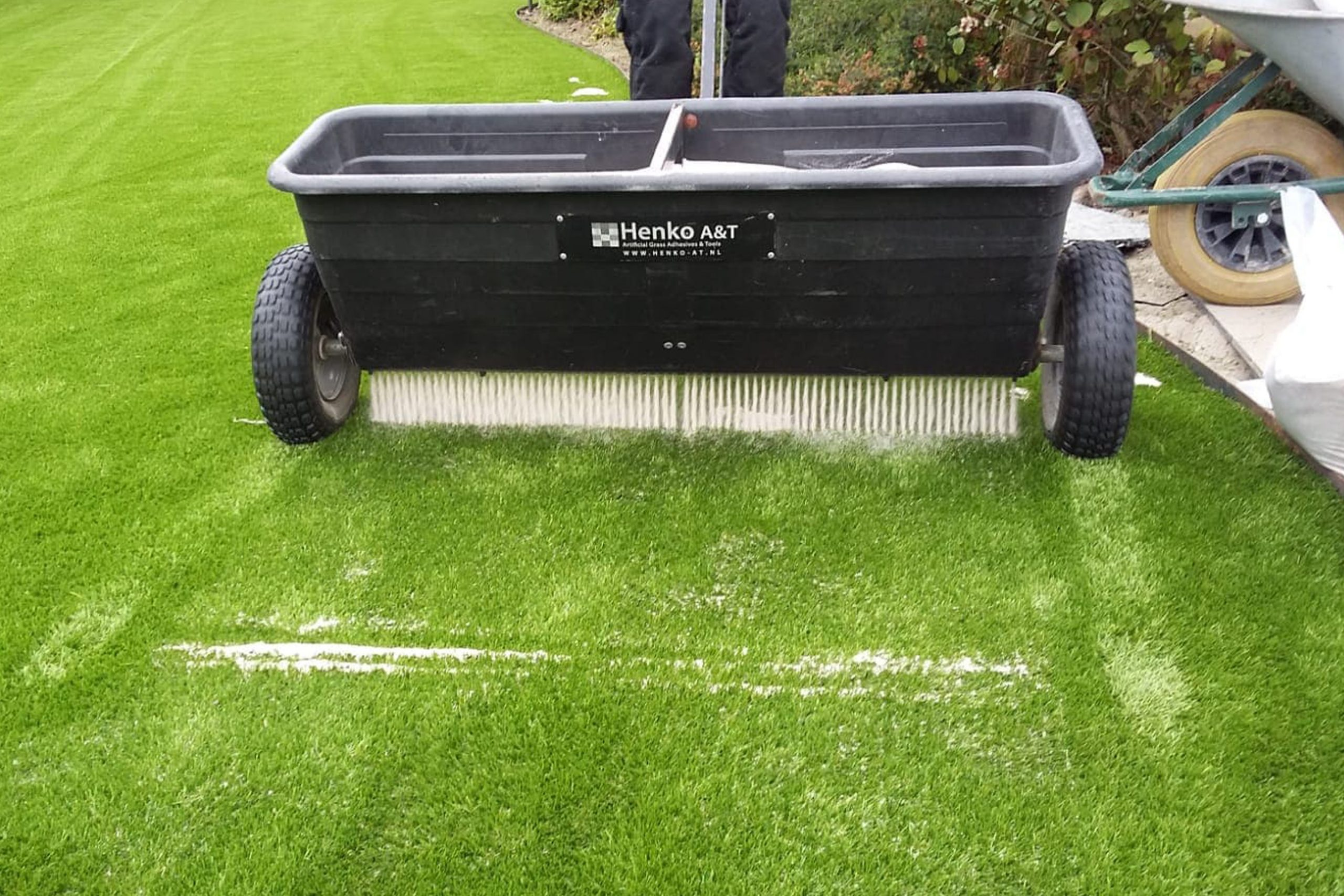 sand spreader artificial grass installation infill