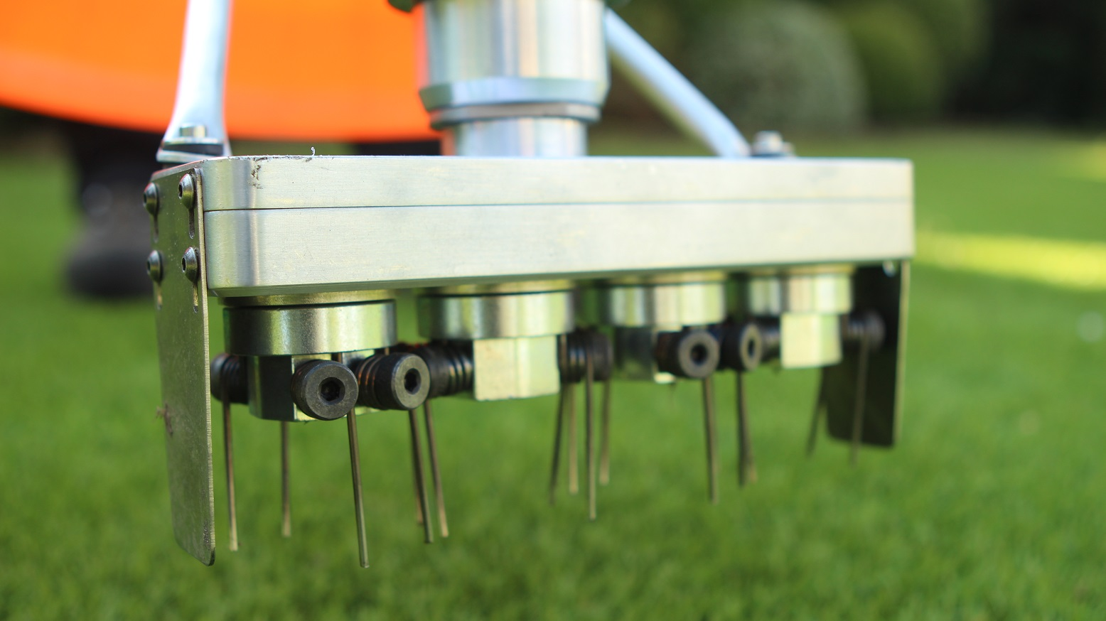 Topkeeper Pro brush clean artificial turf